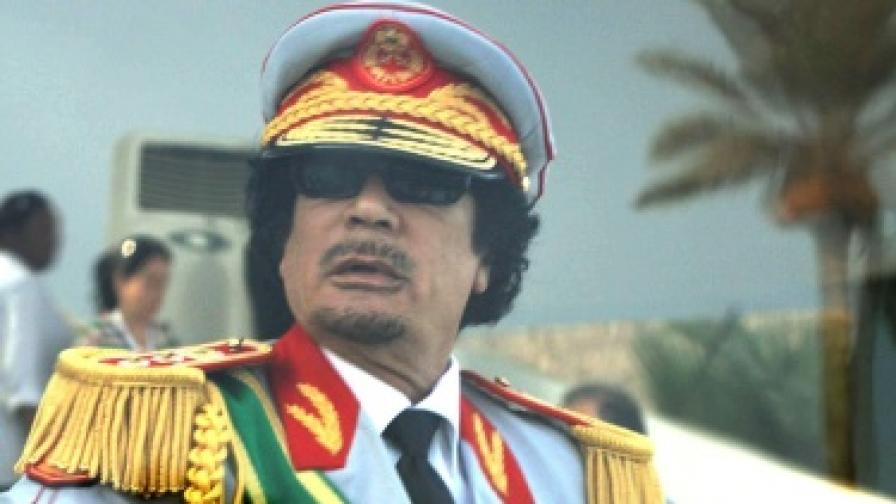 Либийският лидер Муамар Кадафи по време на празненствата за 40-годишнината на революцията