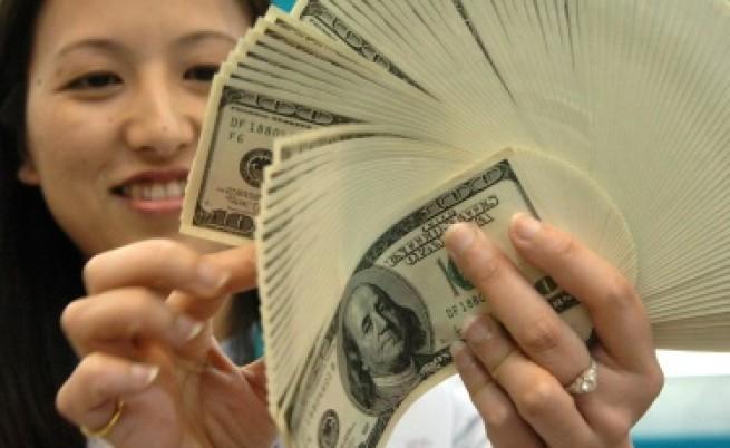 Броенето на пари кара хората да се чувстват добре