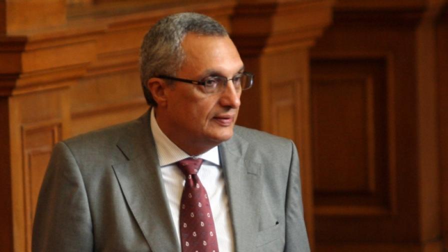 Иван Костов в момента е председател на Парламентарната комисия за контрол върху ДАНС