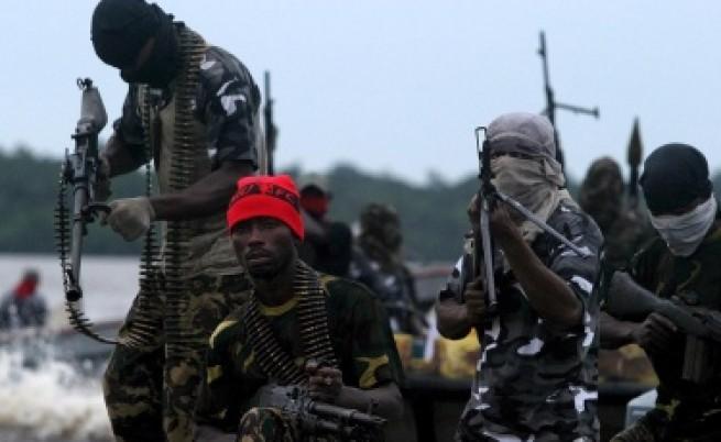 Нигерийските бунтовници прекратиха примирието