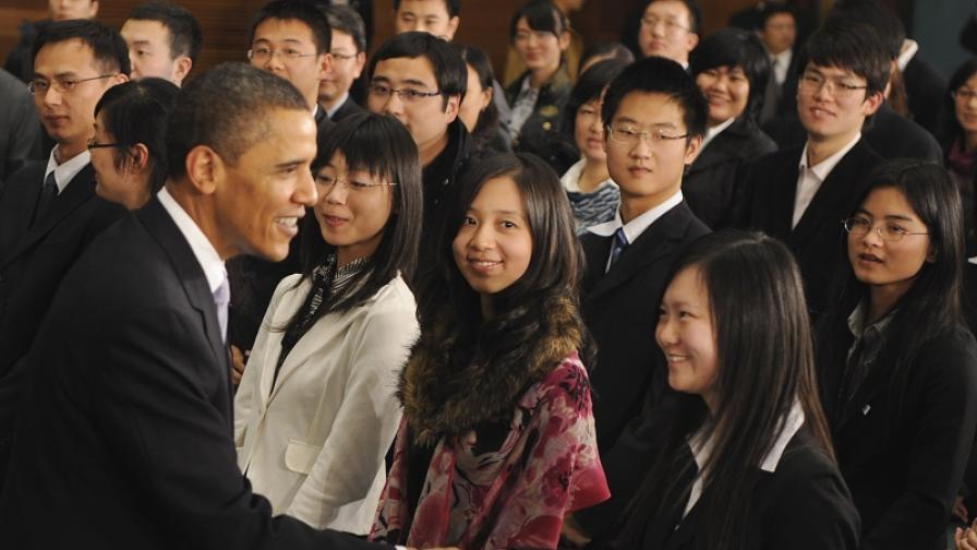 Президетът на САЩ се срещна със студенти в Шанхай
