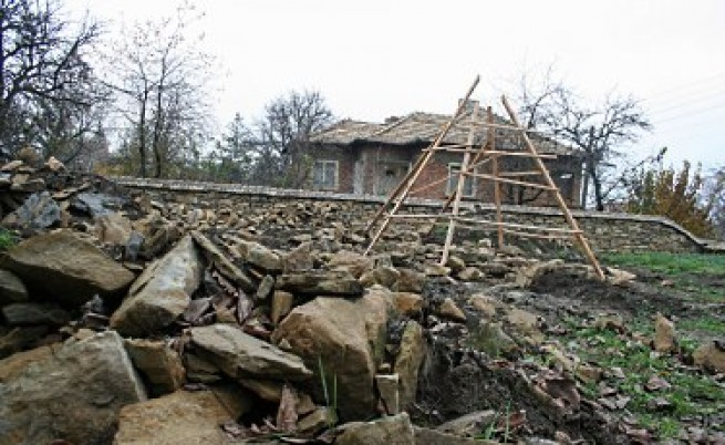Нов паметник на незнайния турски войн вдигат в Славяново