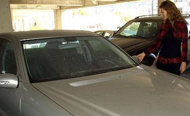 Кризата удари с 50% продажбите на нови автомобили у нас