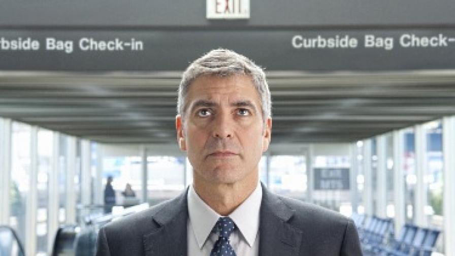 """Джордж Клуни в кадър от """"Високо в небето"""""""