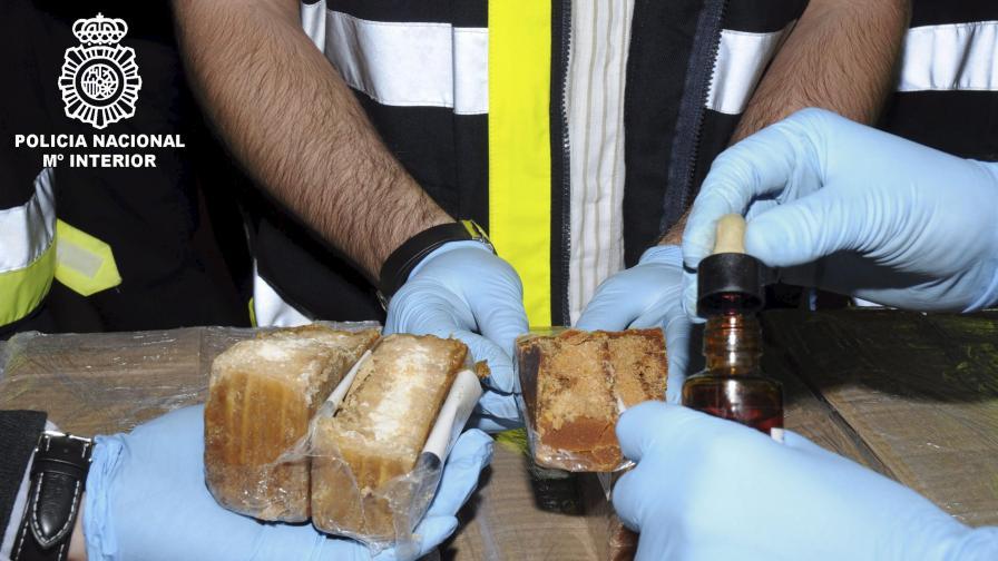 Спипаха 1 т кокаин в Ротердам