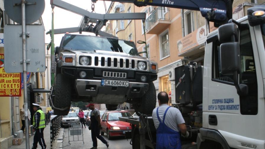 Фандъкова: Паяци за колите пред нощните клубове