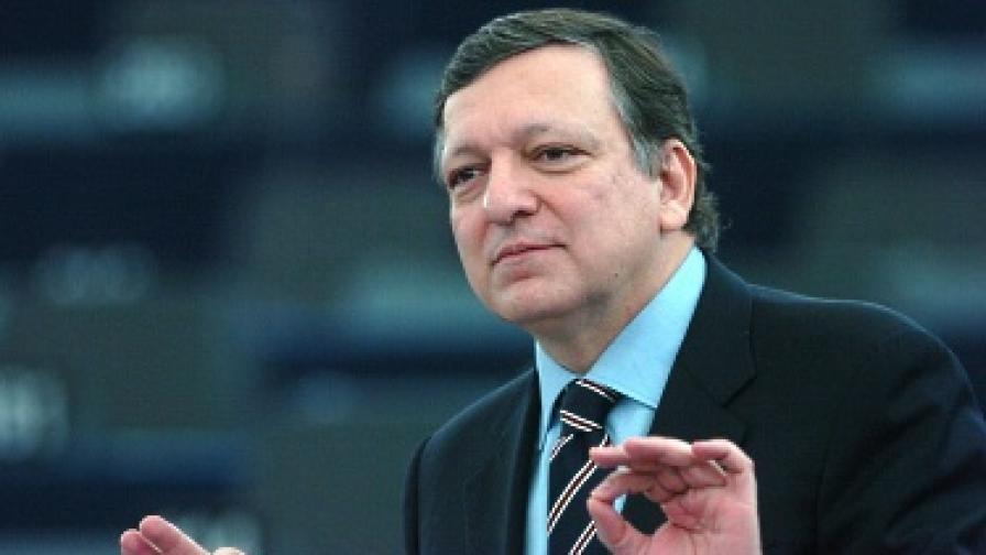 След цялото напрежение около представянето на кандидатите за еврокомисари Жозе Барозу може да си отдъхне
