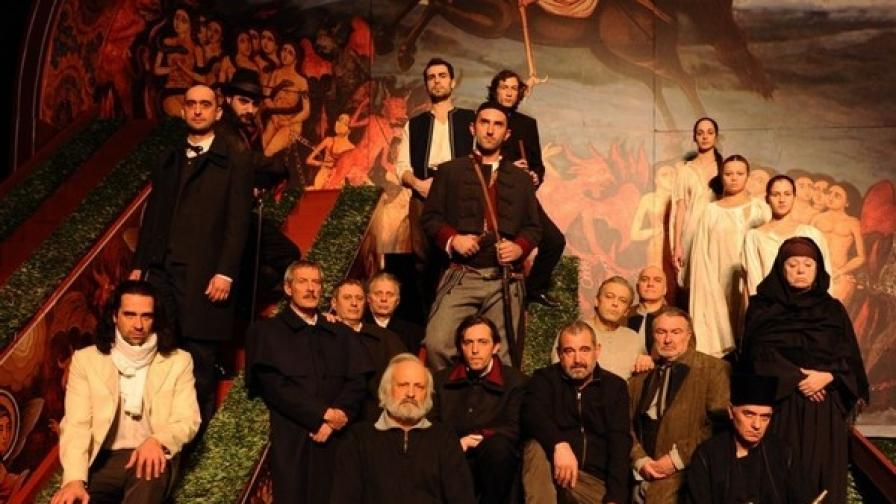Отварят Раната Бенковски във Военния театър
