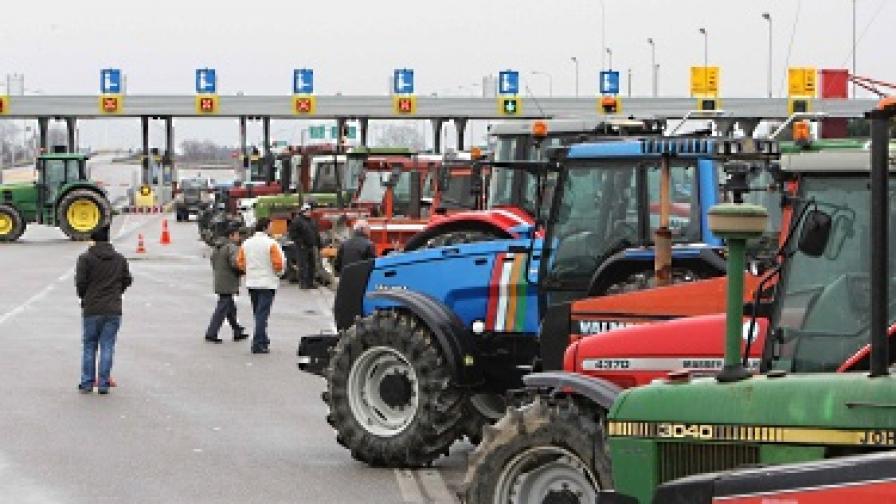 240 млн. евро загуби от блокадата на границата