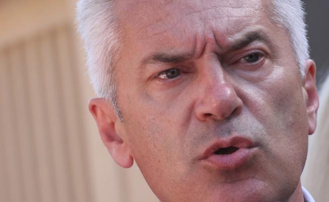 Сидеров отрича да е бил арестуван на летището във Франкфурт