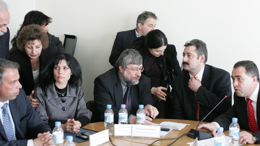 Министър Божидар Нанев на брифинг след среща днес с директорите на общинските болници в София област