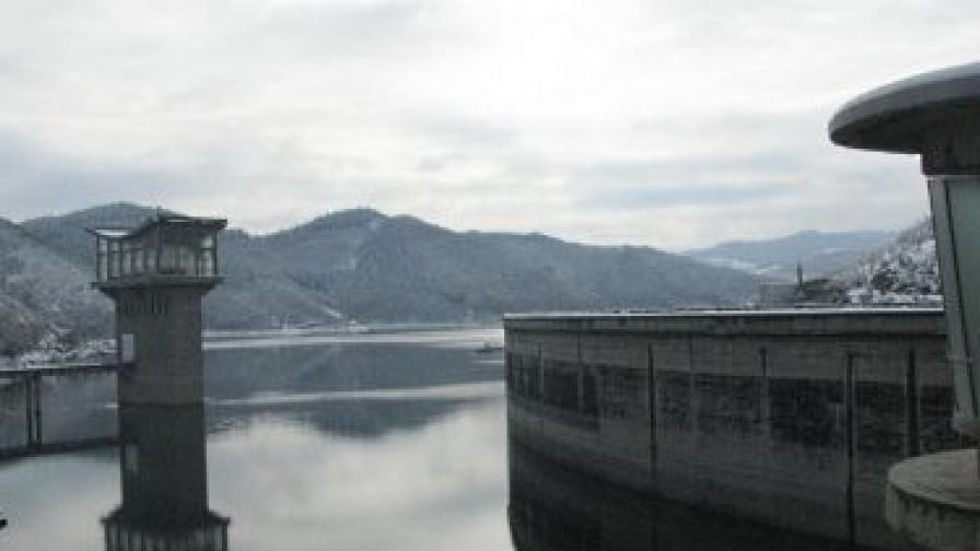 Река Тунджа надхвърли критичната стойност с 20 см