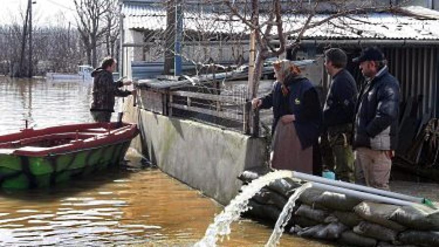 Очаква се ново критично повишаване на нивата на реките