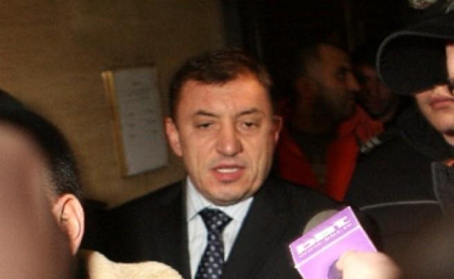 Алексей Петров - длъжник на хазната?