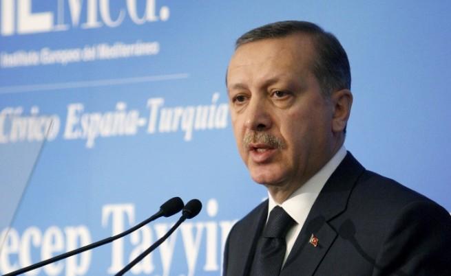 Арестуваха 40 военни в Турция