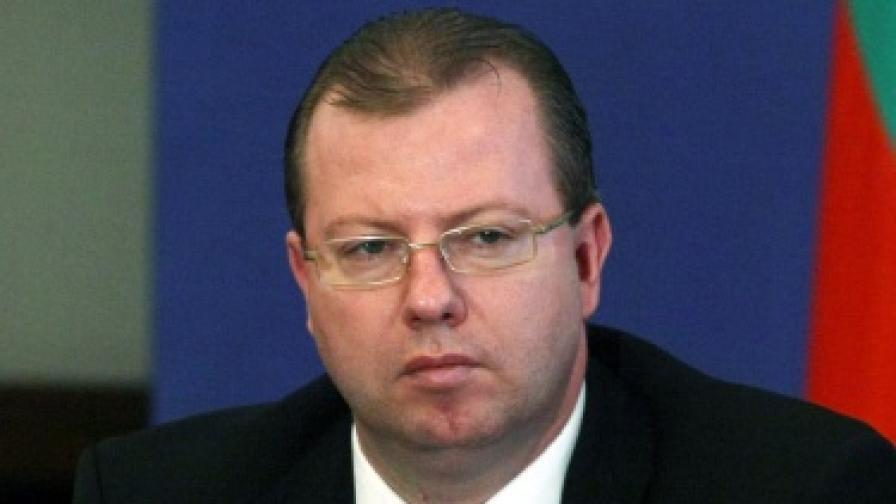 Шефът на НАП отмени скандалното указание