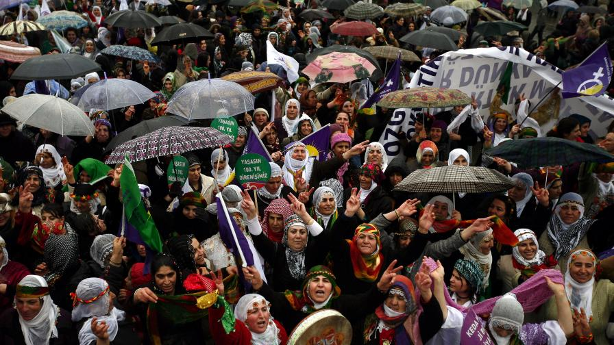 Затвор за туркини, заченали с чужда сперма