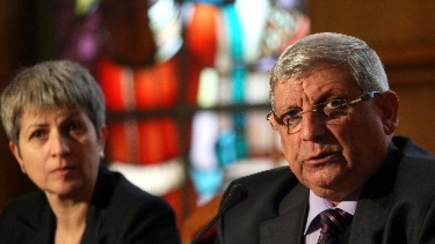 Новият военен министър иска предоговаряне на сделки