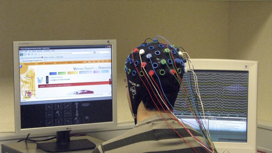 Създадоха копринени мозъчни импланти