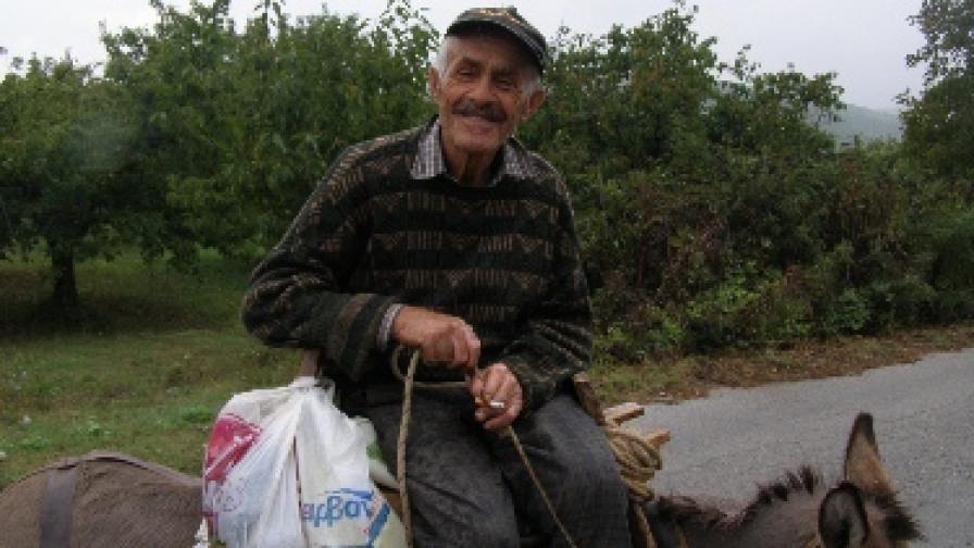 """Един от героите на книгата - дядо Георги от село Каридия, """"по вехто Тейво"""", Воденско"""