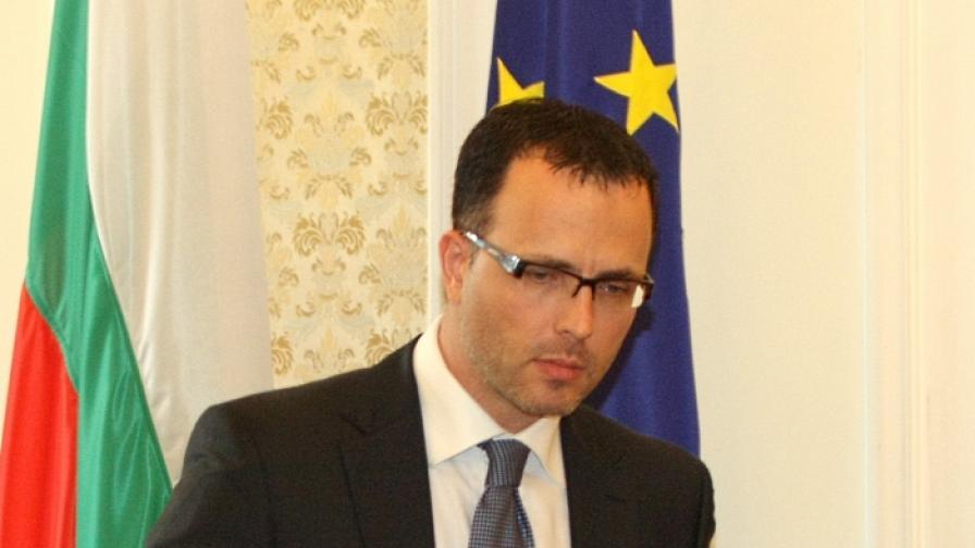 Стоян Мавродиев, председател на Временна анкетна комисия за проверка на разходите, назначенията и сделките, извършени в последната  година от мандата на правителството на Станишев