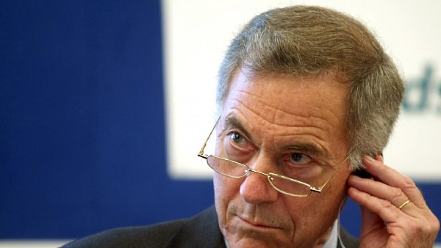 Проф. Стив Ханке: Българското правителство се справя добре