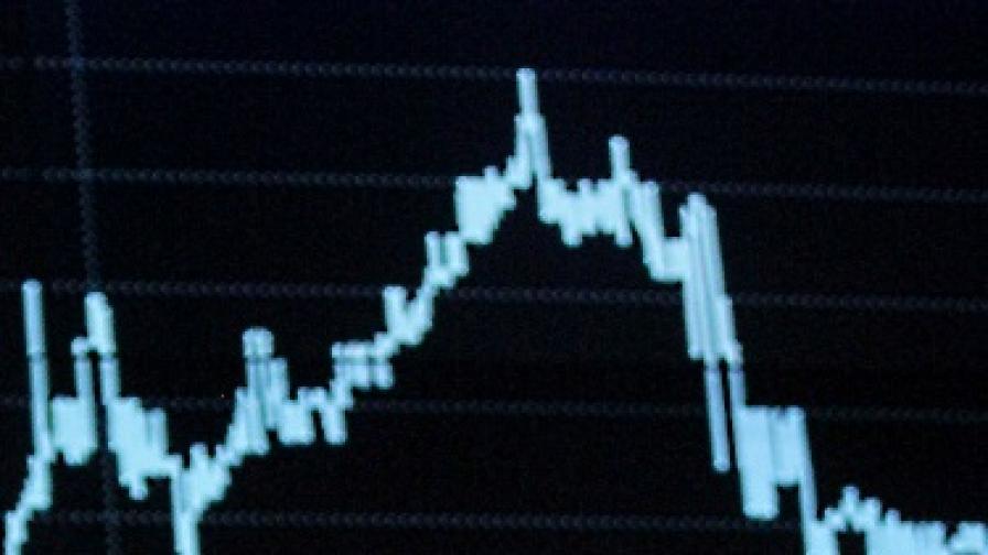 Икономиката се свива повече от очакваното