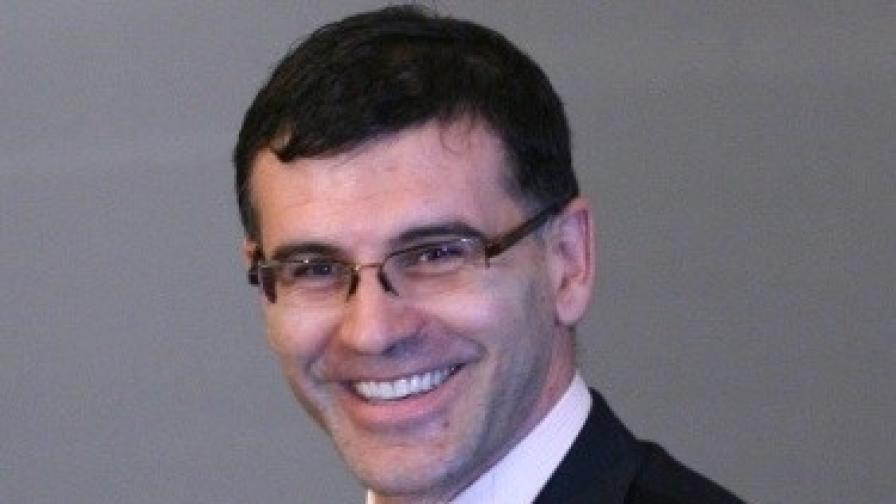 Симеон Дянков за българското решение за кризата в румънски вестник