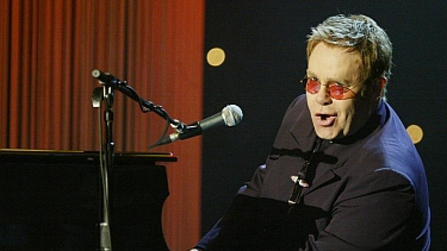 През 2005 г. на благотворителен концерт за фондацията на Хосе Карерас