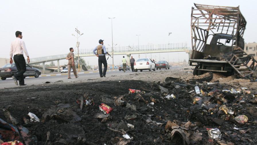 Нападатели взеха заложници в централната банка в Багдад