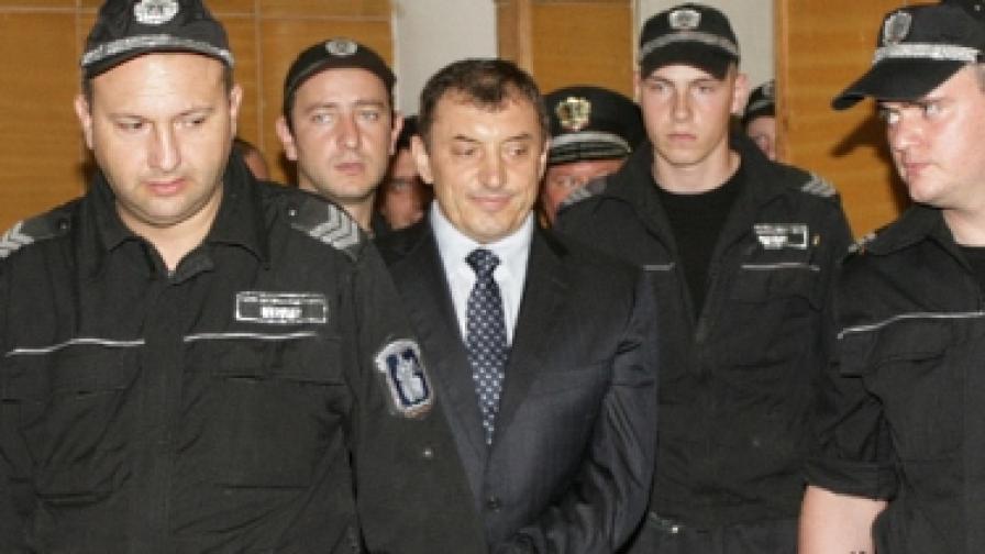 Алексей Петров бе доведен в Софийския районен съд под засилена охрана