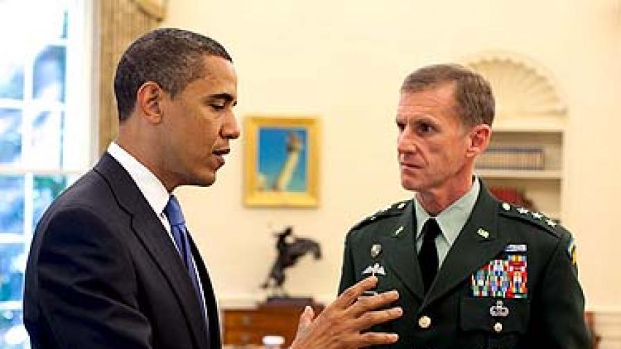 """Ролинг стоун"" разклати стола на US генерал"