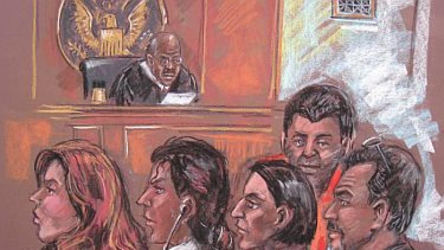 Рисунка на част от обвинените в съдебната зала