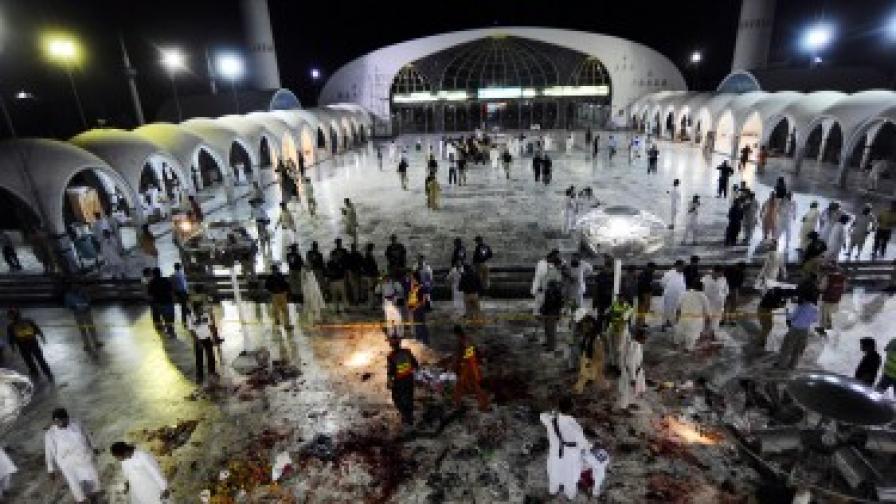 Десетки убити при атентат в Пакистан