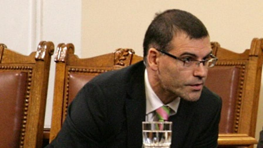 Дянков: Получаваме странни предложения за Бургас-Александруполис