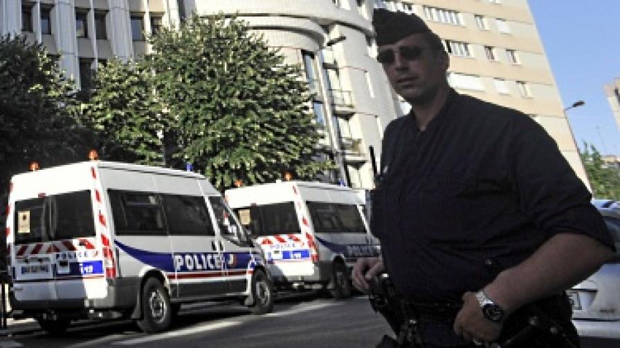 Сервитьори нападнаха българи във Франция