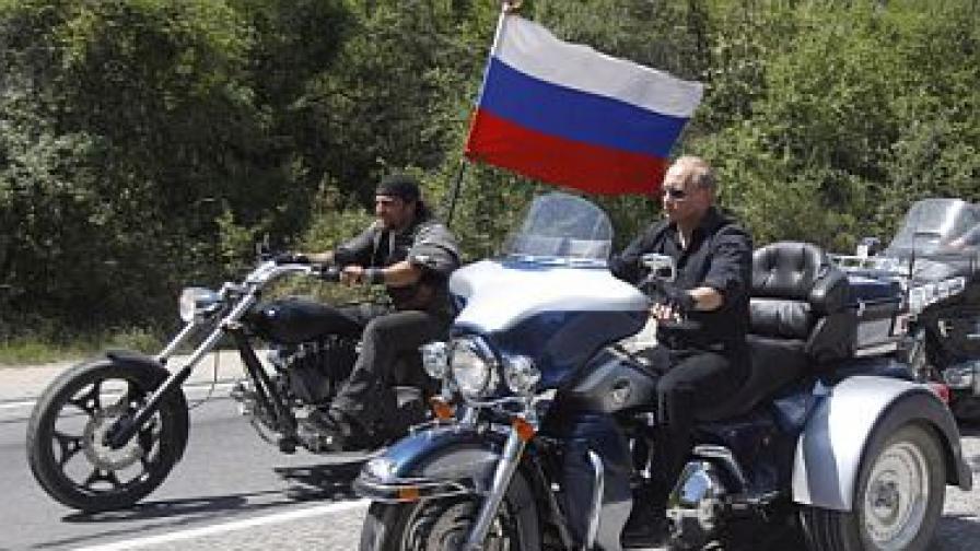 """Путин на """"Харли Дейвидсън"""" в Украйна"""