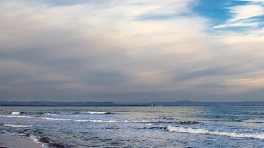Плажът на залива Вромос край с. Черноморец
