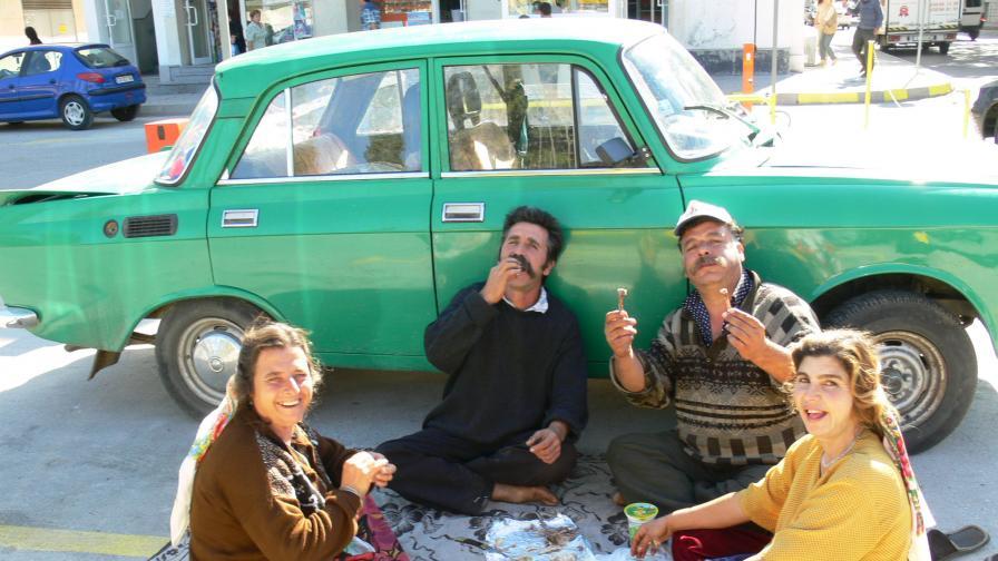 Франция гони 700 български и румънски роми