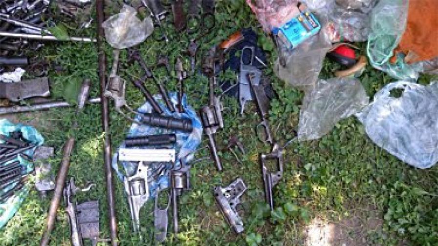 Част от иззетите оръжия