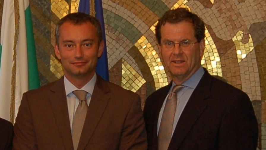 Шефът на Американския еврейски комитет Дейвид Харис (д)разговаря и с външния министър Николай Младенов