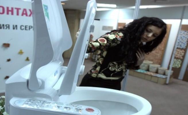Тоалетна прави медицински тестове