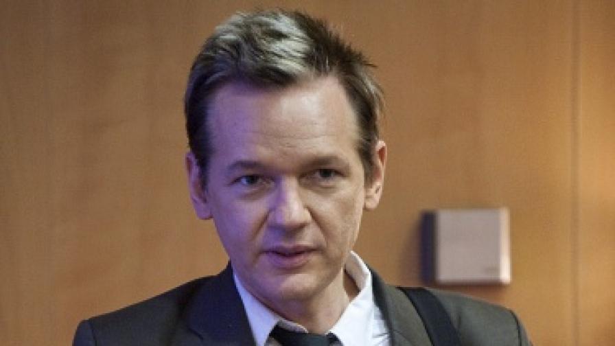 """Възобновиха разследването срещу създателя на """"Уикилийкс"""""""