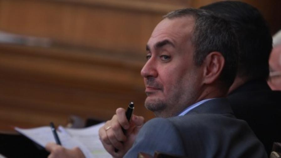 Б. Велчев: Без дела за корупция в спецсъдилищата