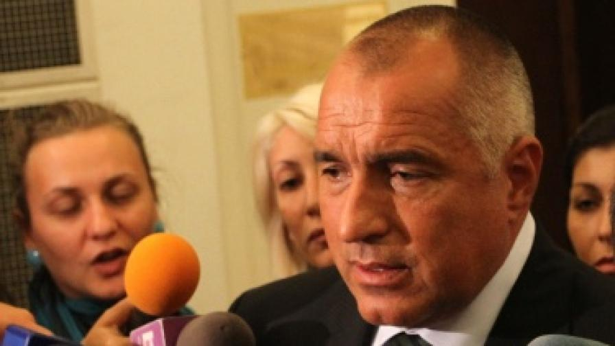 Премиерът Бойко Борисов отговаря на журналистически въпроси в парламента днес