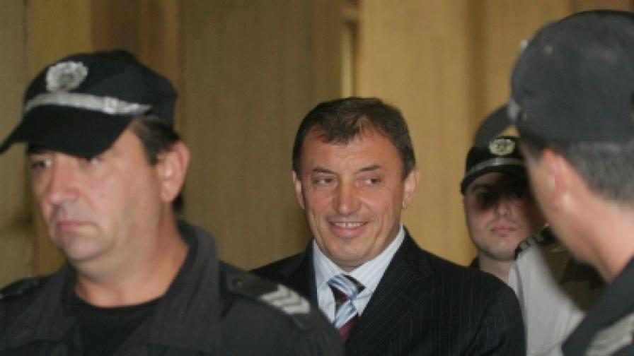 На 8 септември, в отлично настроение, Алексей Петров отново поиска да излезе от ареста