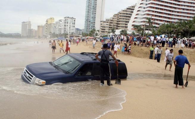 22 туристи отвлечени в курорта Акапулко