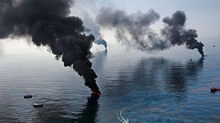 NG нищи петролната катастрофа