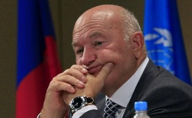 Кой ще вземе Москва? Гадаене на карти с каре кандидати