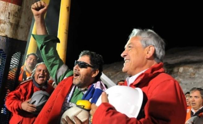 Край: Извадиха живи всички чилийски миньори